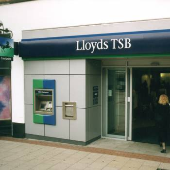 Lloyds warning after some Avios Rewards Amex customers hit by fraud