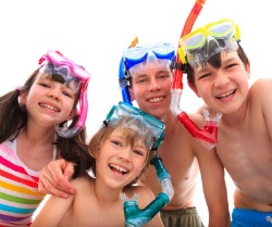 picture of kids snorkelling