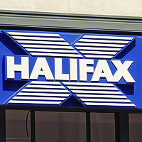 Small rise in current account switching as Halifax makes biggest gains